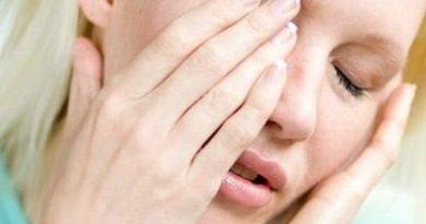 Болит-глаз-под-верхним-веком-больно-нажимать-причины-и-лечение