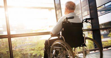 is_160121_hospice_wheelchair_elderly_800x600 (1)2