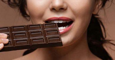 1525867778-31.-Eat-Dark-Chocolate