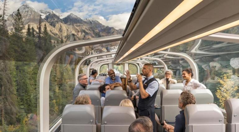 Ապակեպատ գնացքն ուղևորներին տեղափոխում է Կանադայի գեղատեսիլ անկյուններով (լուսանկարներ)