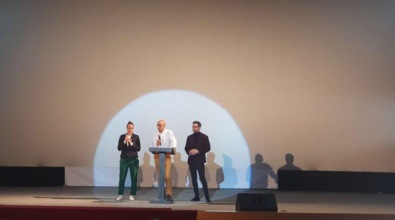 (Armenia) «Նուբայի սիրտը». Հազարավոր կյանքեր փրկած բժիշկ Թոմ Քաթինայի մասին ֆիլմը ցուցադրվեց Երևանում