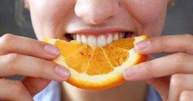 eating-brush-teeth