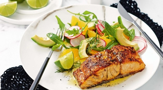 fennel_and_chilli_crusted_fish_with_avocado_and_orange_salad_105266_1.thumb
