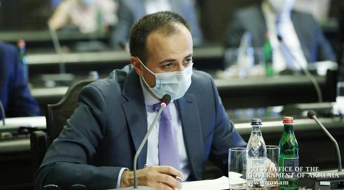 (Armenia) Տանը հոսպիտալացման սպասող կորոնավիրուսով հիվանդ քաղաքացի արդեն մի քանի օր է չունենք. նախարար. armenpress.am