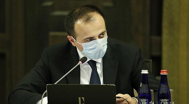 (Armenia) Կոնյուկտիվիտ, սրտխառնոց, փսխում, լուծ․ Արսեն Թորոսյանի նոր հրամանը՝ կորոնավիրուսով վարակված պացիենտների վերաբերյալ.Iravaban.net