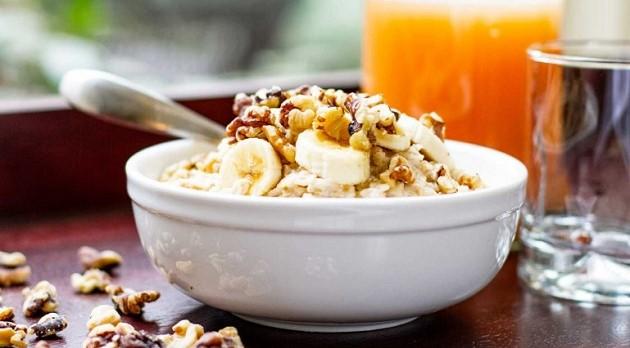 banana_nut_oatmeal_3_tastyrecipes.thumb