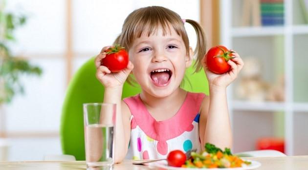 toddler_eating_veggies.thumb